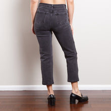 Load image into Gallery viewer, Cropped Straight Leg Charcoal Jeans