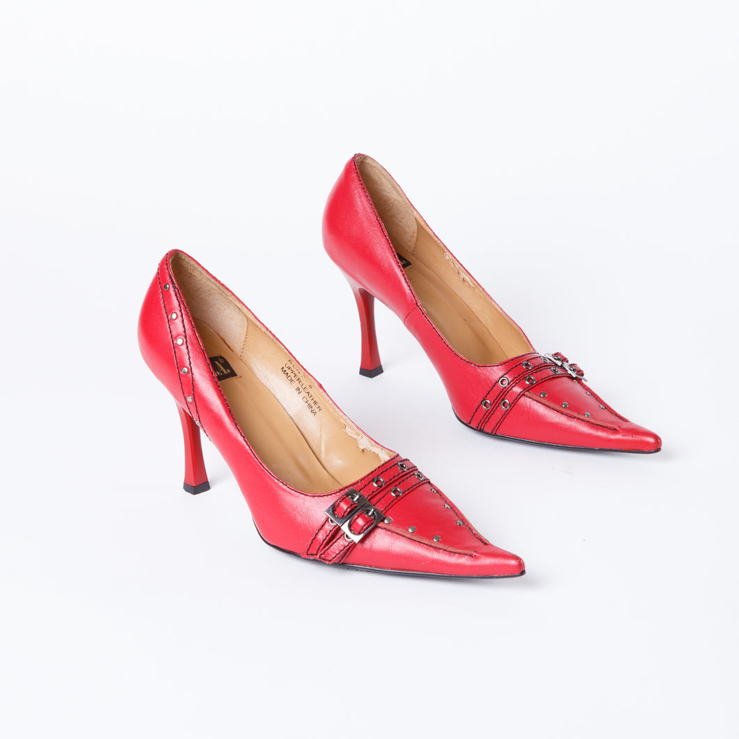 90s Pointed Red Heels