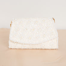Load image into Gallery viewer, 90s Beaded Cream Purse with Gold Chain