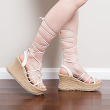 Load image into Gallery viewer, 90s/2000s Chunky Lace Up Wedges