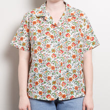 Load image into Gallery viewer, Vintage Geometric Button Up