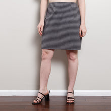 Load image into Gallery viewer, 90s High Waisted A-Line Skirt