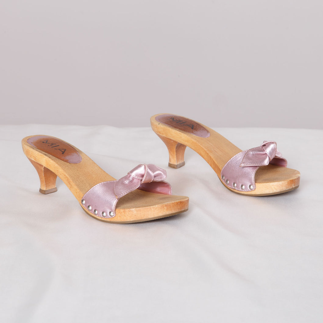 Vintage Wooden Low Heels with Bow