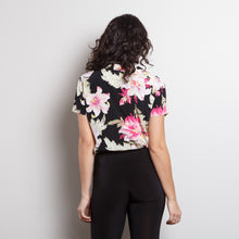 Load image into Gallery viewer, Vintage 100% Silk Floral Button Up