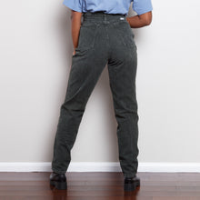 Load image into Gallery viewer, Vintage Wrangler Corduroy Pants