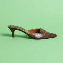 Load image into Gallery viewer, 90s Leather Pointed Mules