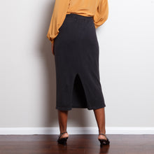 Load image into Gallery viewer, Knit Black 90s Midi Skirt
