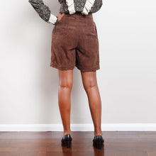 Load image into Gallery viewer, Vintage Corduroy Paperbag Shorts