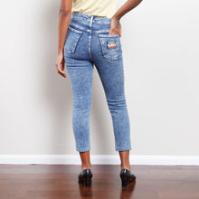 Load image into Gallery viewer, Vintage Stone Washed Mom Jeans