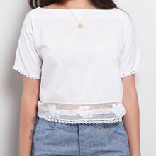 Load image into Gallery viewer, Vintage White Crop Top