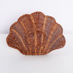 Wicker Clam Shell
