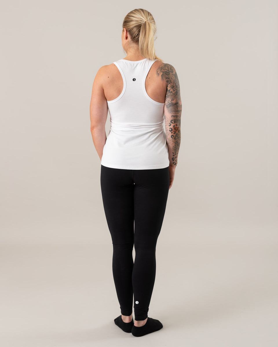 Essential Nursing Tank top Logo
