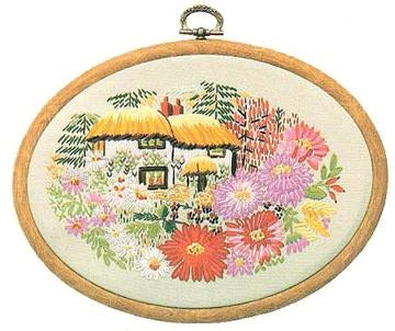 Embroidery Kit Aster Cottage, Design Perfection E182