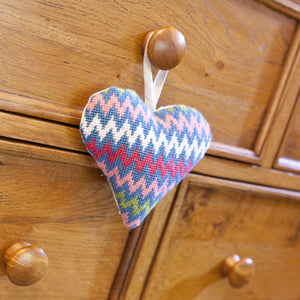 Tapestry Kit Bargello Heart, Cleopatra's Needle