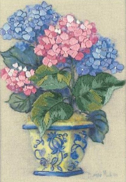 Hydrangeas Crewel Embroidery Kit, Dimensions D16051