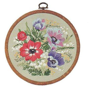 Embroidery Kit Anemones, Design Perfection E138
