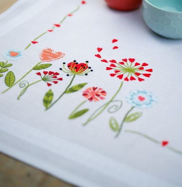 Flowers Tablecloth Embroidery Kit Runner, Vervaco PN-0171004