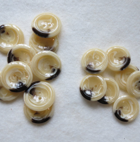 Aran Marbled Buttons, Round Cream Button - 23mm, Set of 3