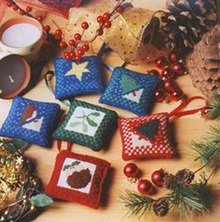 Tapestry Kit Needlepoint Kit, 6 Tapestry Christmas Decorations (OO)