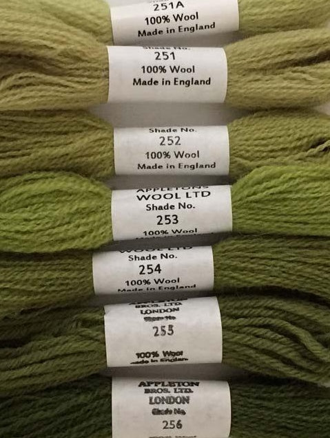 Appletons Tapestry Wool - Grass Green, 10m Skeins 251A-256