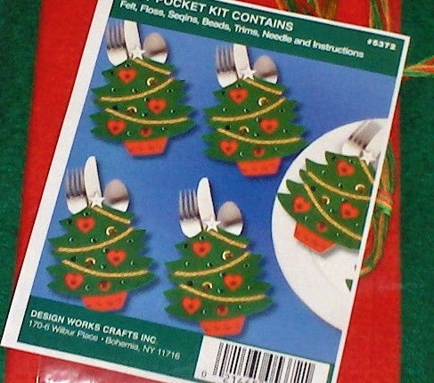 Christmas Tree Pockets Felt Embroidery Applique Kit, Design Works 5372