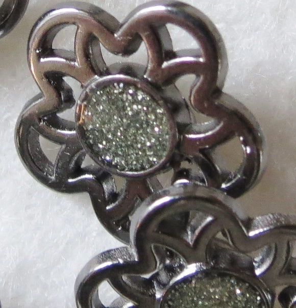 Metal Buttons, Pewter Flower Silver Glitter Button - 22mm