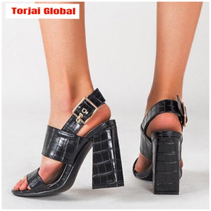 2020 Fashion Leather Sandals