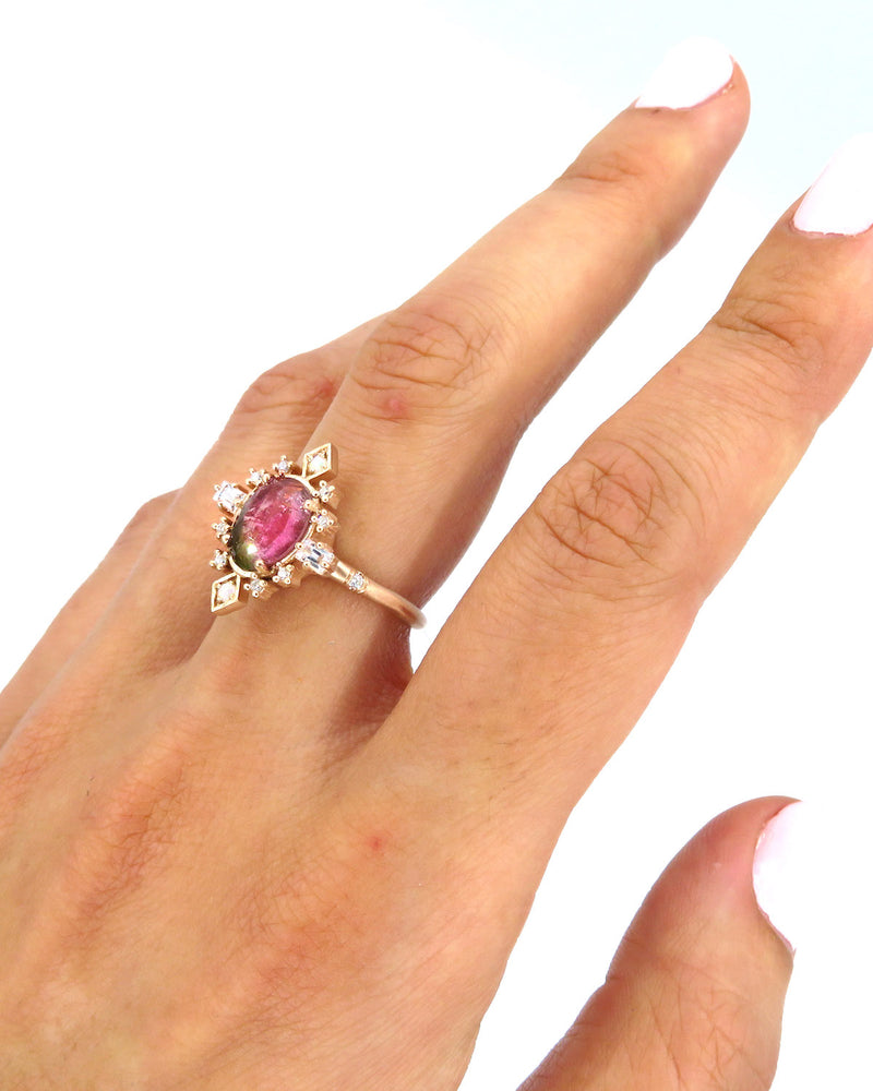 SPARKLE BUST RING