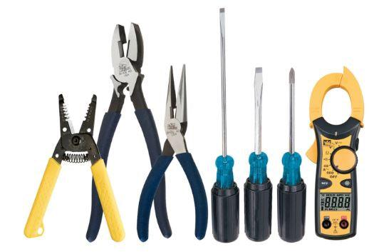 "Kit Includes Pliers with dipped-grip handles: 9-1/2"" Linesman (30-430) 8"" Diagonal Cutting (35-029) 8-1/2"" Long-Nose (35-038) Cushion-Gripped Screwdrivers: 1/4"" Heavy-Duty Cabinet (35-150) #2 Phillips (35-194) Wire Stripper: T®-Stripper Wire Stripper (45-120) PLUS BONUS! Robertson #2 Screwdriver (35-925)  SKU: IDE30728CDN UPC: 624141035105"