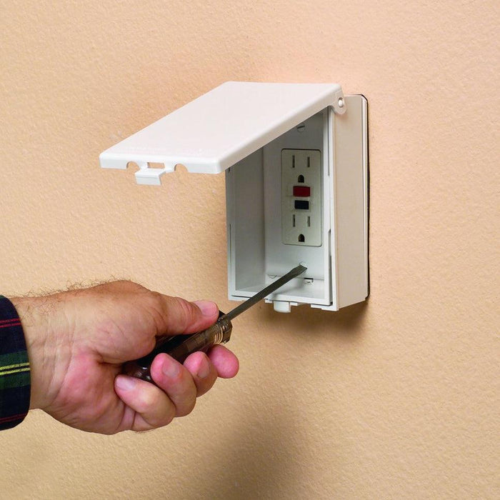 Arlington IN-AND-OUT heavy-duty outdoor receptacle and plug covers SKU#: ARL60VW UPC: 018997006806