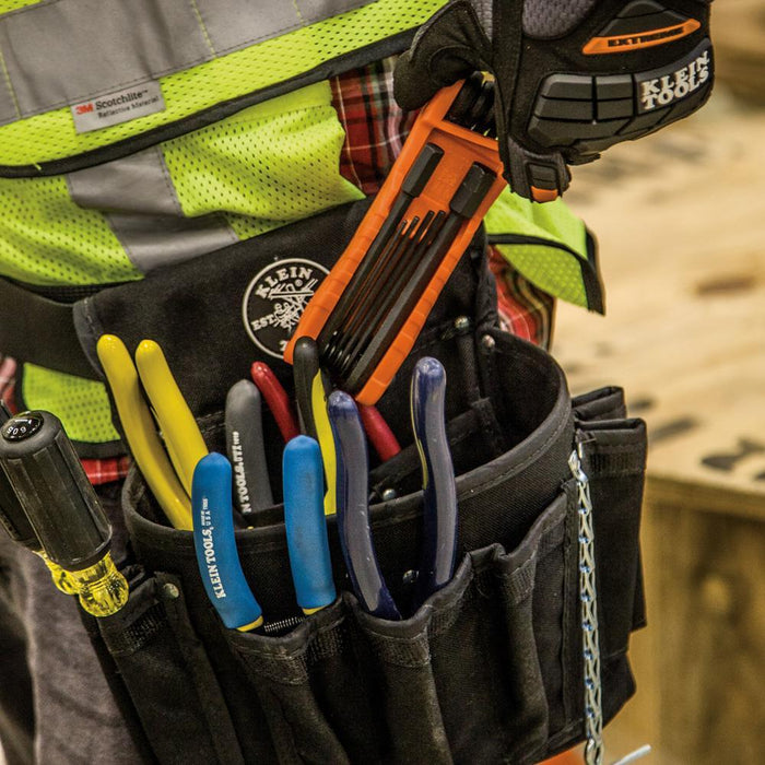 The Klein Tools new Pro Folding Hex Key set conveniently consolidates two sets into one. The heavy-duty 11-piece set includes a high leverage, 4-Inch long 1/2-Inch keys.  Key sizes: 1/2, 3/8, 5/16, 1/4, 7/32, 3/16, 5/32, 9/64, 1/8, 7/64, and 3/32-Inch. SKU: KLE70550  UPC: 092644332845