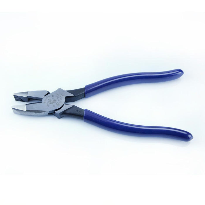 These High-Leverage, Side-Cutting Pliers feature a rivet closer to the cutting edge which provides 46-Percent more cutting and gripping power than other pliers. Induction hardened for longer life. SKU: KLED2139NE UPC: 092644700422