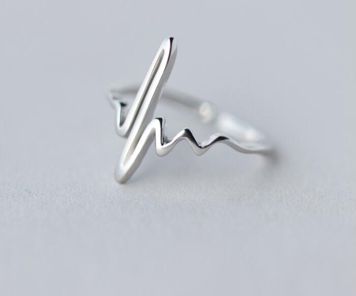 Shuangshuo Vintage Heart Beat Ring