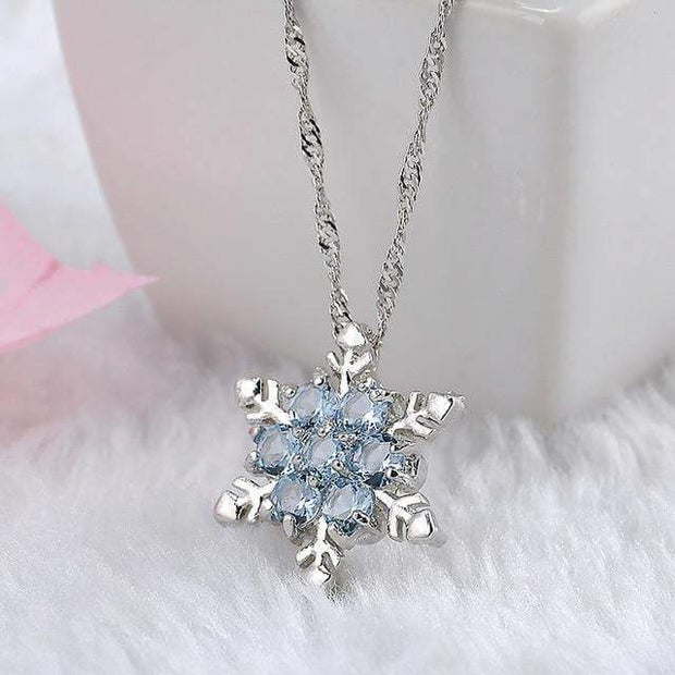Snowflake Pendant Necklace Pendant Necklace trendpicky