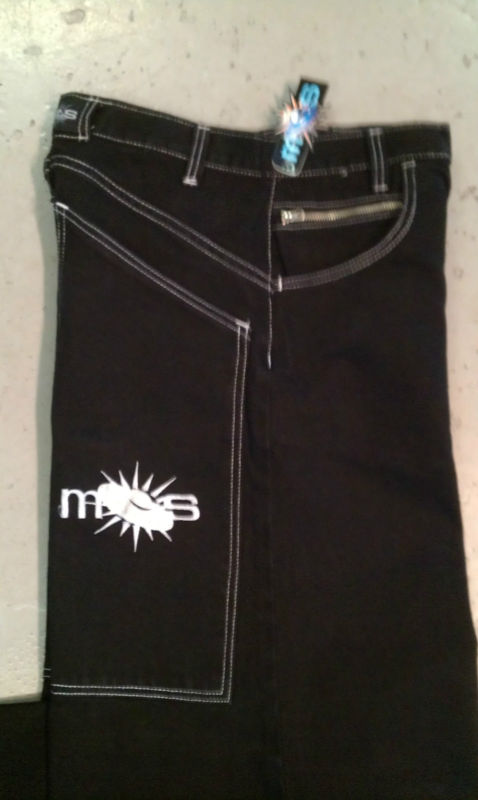 Mos Phat pants by Ministry of Style close up side view of pockets