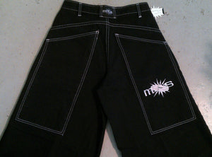 Mos Phat pants by Ministry of Style close up back view of pockets