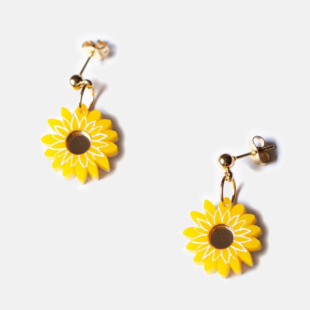 Mini Paper Daisy Studs - Yellow