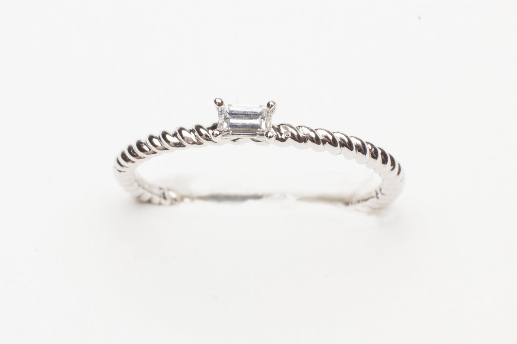 18KT WG STACK RING WITH .11 EC DIA