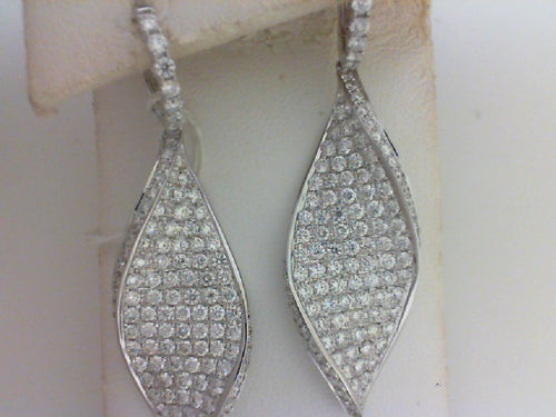 18KT WG 4.18CTTW  236 RD DIA DANGLE EARRINGS