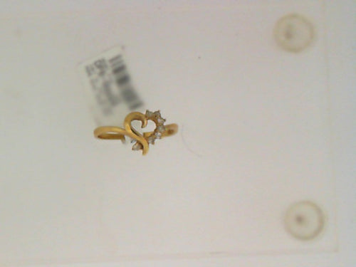 14KT YG .16CT TW DIAMOND SWIRL HEART RING