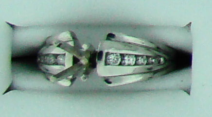 SEMI DIA PLAT .28CT TW 8RD RING