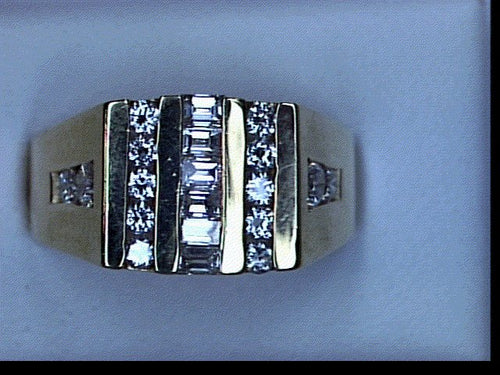 GTS DIA 2.65CT TW RD&BGT RING