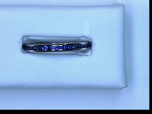 18KT WG .55CT TW SAPHIRE ET BAND