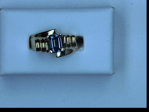 14KT YG 1.21CT BLUE TOPAZ RING EMERALD CUT STONE