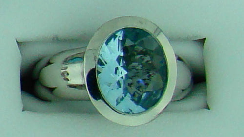 PLAT AQUAMARINE RING LARGE OVAL STONE