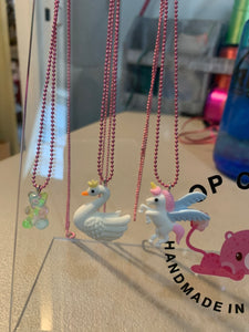 Pop cutie small necklace (Swan, gummy bear, unicorn)