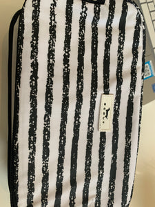 Scout black and white 3 way bag