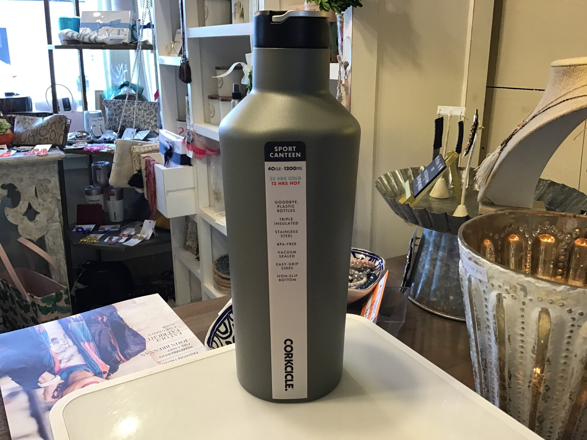 Corkcicle 40oz tactical grey