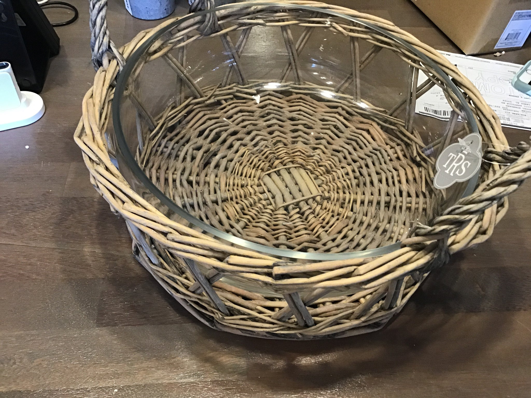Serving bowl basket