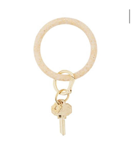 Rubber gold sparkle oventure key ring
